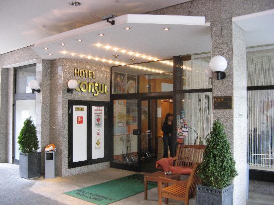 TOP Hotel Consul: Consul hotel - entrance view