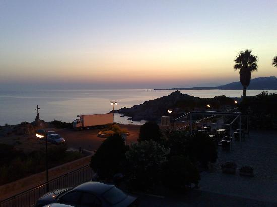 Hotel II Tramonto: The view towards Calvi at dawn