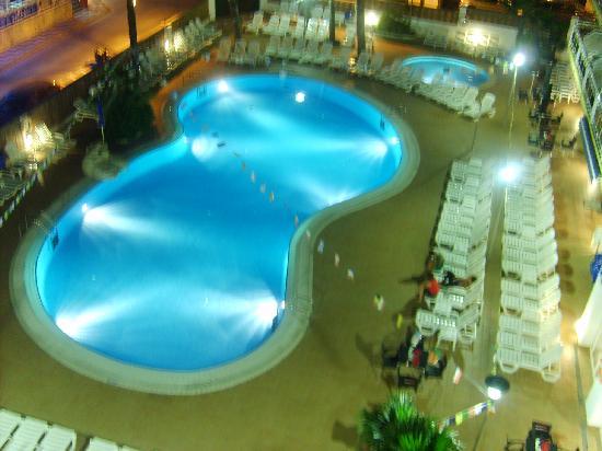 Hotel Mar Blau: Piscine