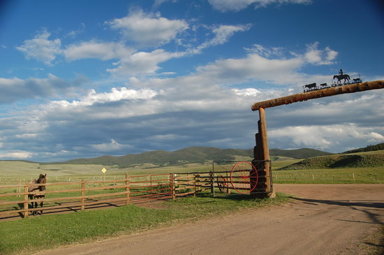 Waunita Hot Springs Ranch: Front Entrance and partial view of valley