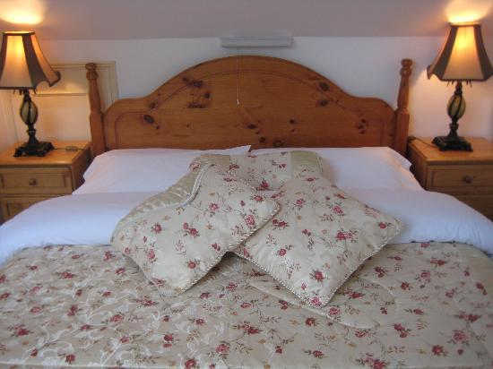 The Gallery: Bed