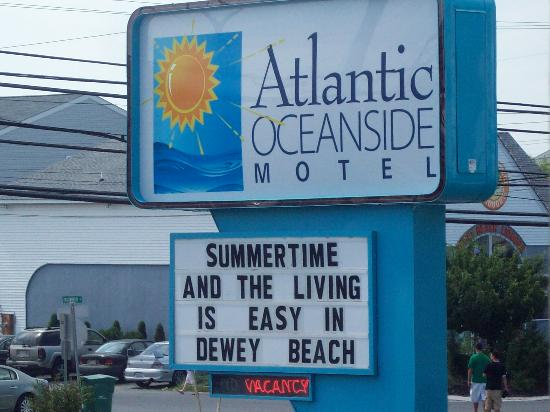 The Atlantic Oceanside Dewey Beach Resort: Livin's easy!