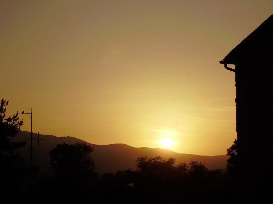 Borgo Santa Maria: zonsondergang vanaf Terrazza