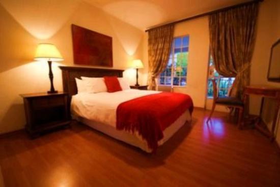 Waldorf Suites Sandton : Very comfortable Sealy bed & underblanket