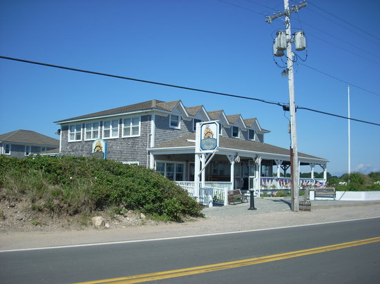 The Beachead Restaurant: The Beachead is nicely located with a view of the Old Harbor at back and Crescent Beach from the