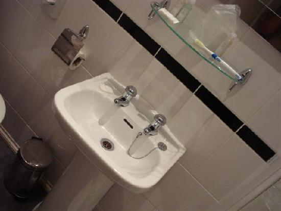 Hilden Lodge: Bathroom
