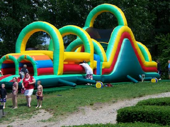 Seabrook Inn: fun slide/bouncer