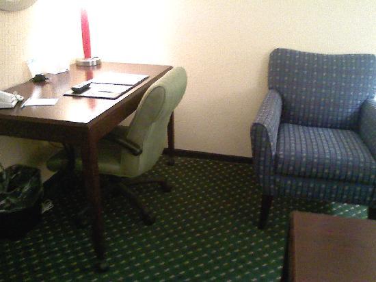 SpringHill Suites Morgantown: Work Space