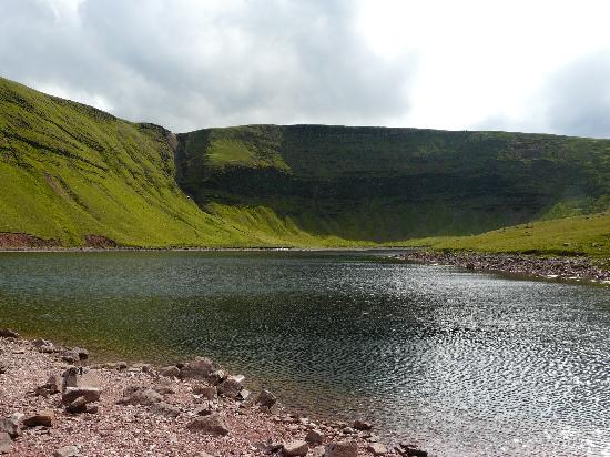 Mandinam: Llyn y Fan Fach glacial lake