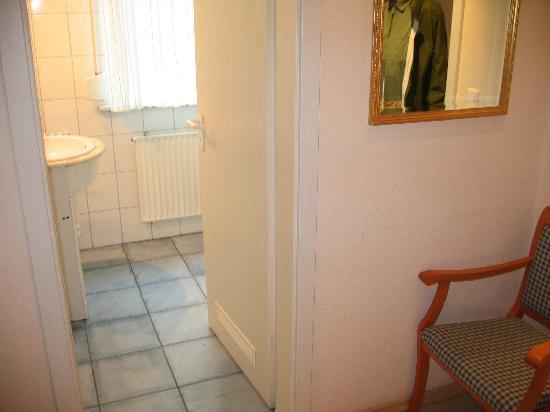 Weingut Rademacher : Steam heater in bathroom was broken