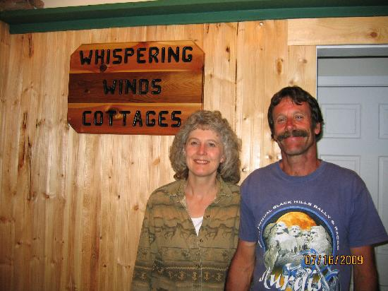 Whispering Winds Cottages: Marla and Jim---The lovely Host