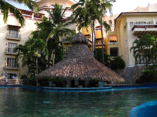 Grand Isla Navidad Resort: Poolbar