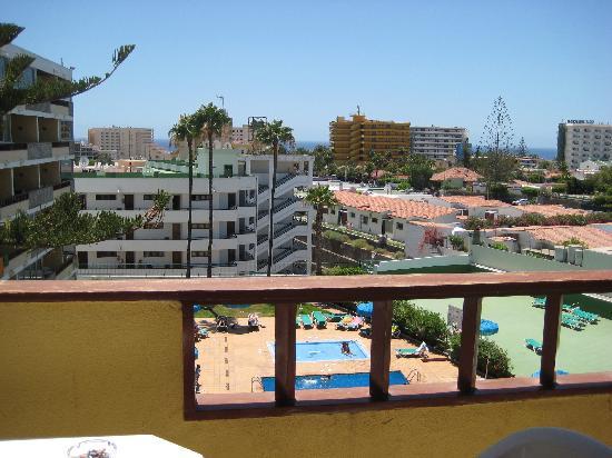 Los Tilos: view of pool