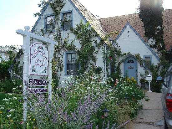 The Garden Cottage Bed and Breakfast: The Garden Cottage