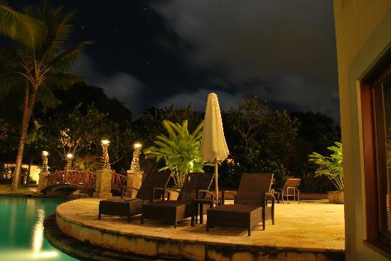 The Laguna, a Luxury Collection Resort & Spa: night view from a lagoon access de luxe studio room