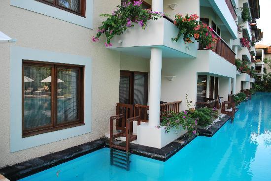 The Laguna, a Luxury Collection Resort & Spa: our lagoon access de luxe studio room