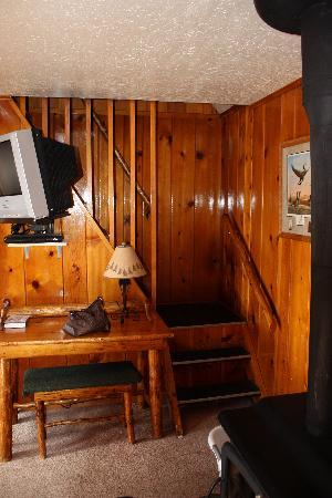 Yellowstone Inn: Watch out for these stairs!