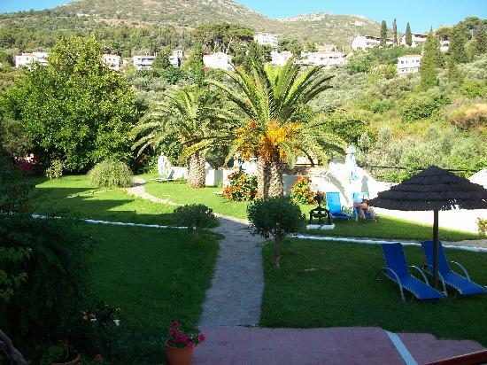 Ionia Maris Hotel: Il giardino