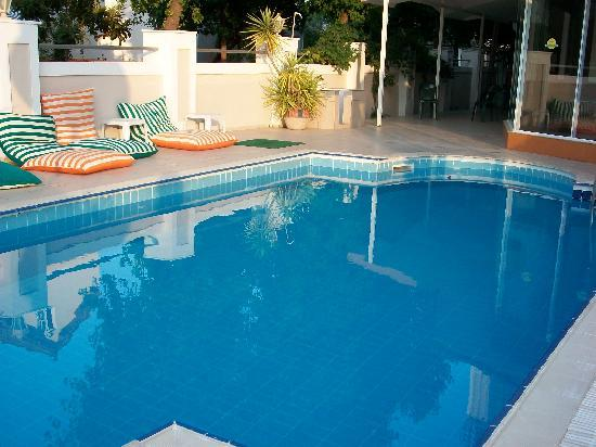 Ercanhan Hotel: the front pool