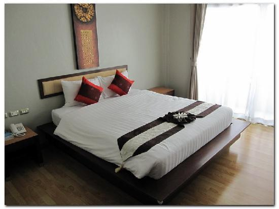 Bhukitta Hotel & Spa: Firm comfortable bed