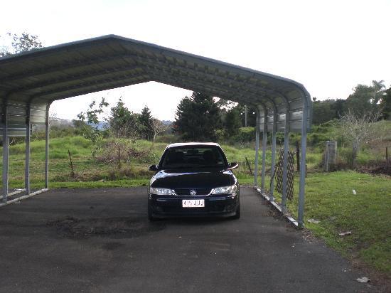 Maleny Hideaway: Parking