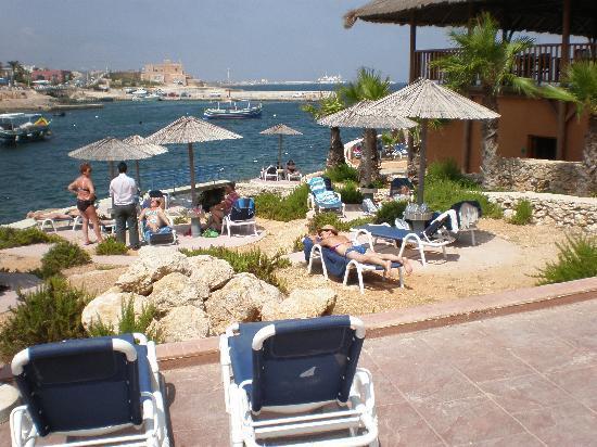 Ramla Bay Resort: sun,sea and loungers