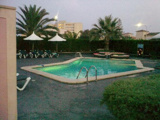 Iris Apartments : This was the pool