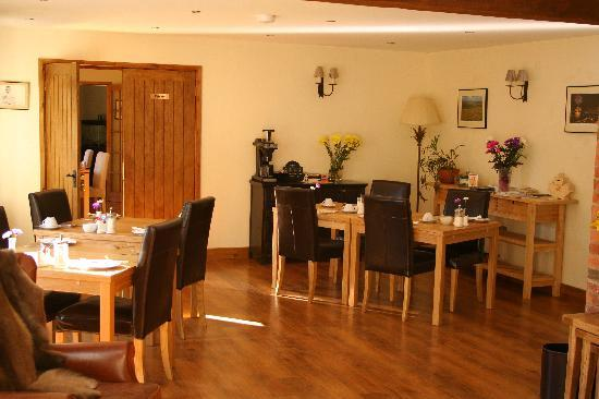 Rosemary Cottage dining room