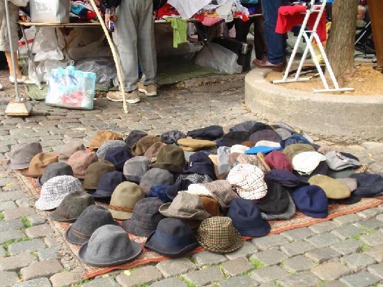Place du jeu de balle comptoir chapeaux picture of for Le comptoir du meuble bruxelles