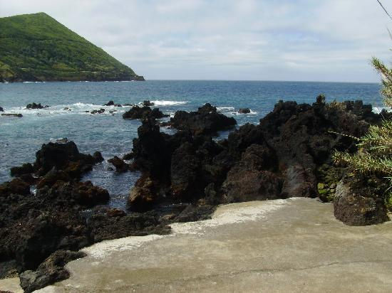 Terceira Mar Hotel : The acess to the rocks