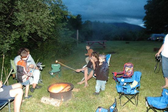 Fort Jefferson Campground : Campfire