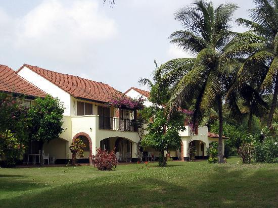Kololi Beach Club: Luxury Villas in beautiful surroundings