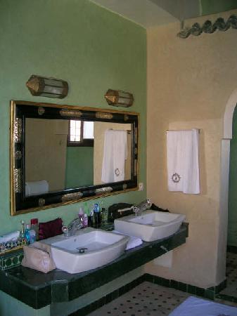 Riad Le Calife: sa salle de bain