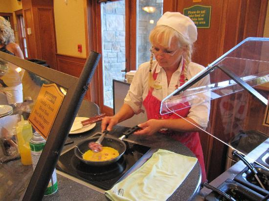 The Inn at Christmas Place: Fresh Made to order Omlets by Elves
