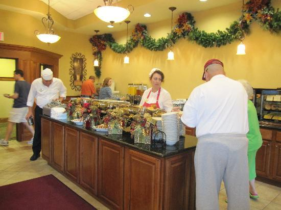 The Inn at Christmas Place: Breakfast Buffet