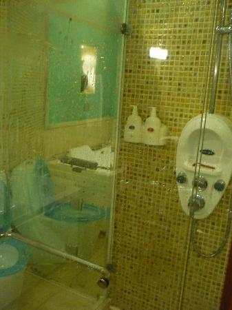 โรงแรมแมนฮัตตันบันด์บิสซิเนส: doccia, suite