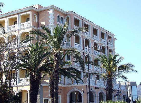 Grand Hotel President : LODE A QUESTO ALBERGO