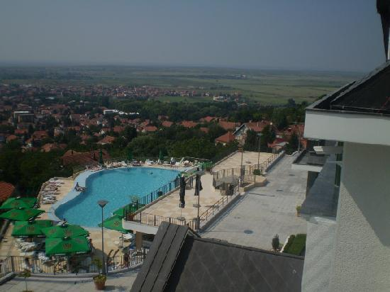 Hotel Villa Breg: Out door pool(apartment view)