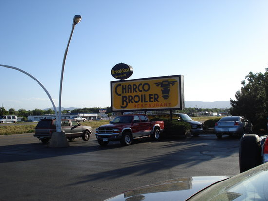 Charco Broiler: Looks are deceiving, it has Great Food!