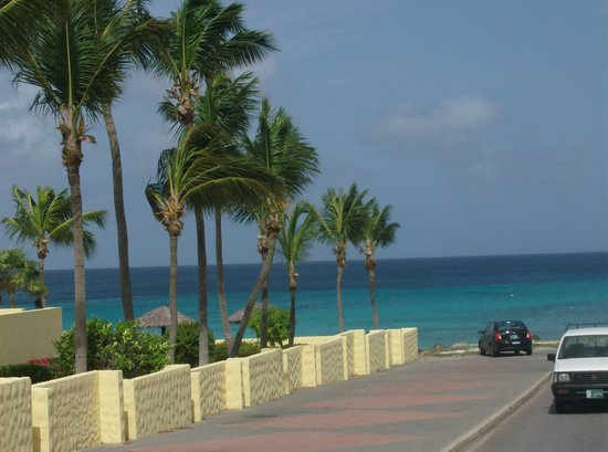 Aruba: beach