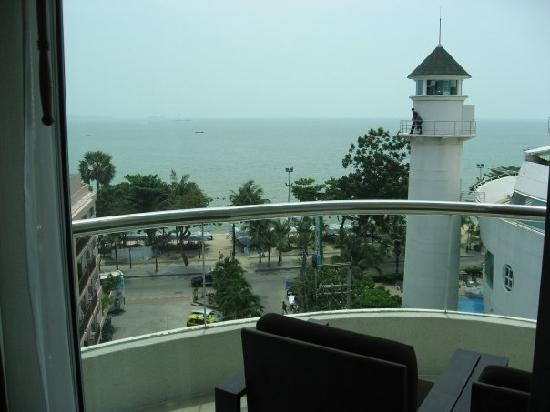 A-ONE Pattaya Beach Resort: Balcony