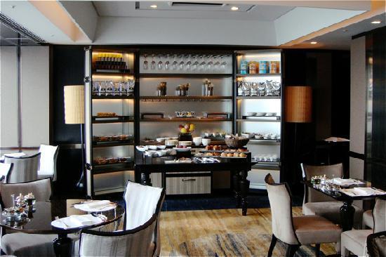 Shangri-La Hotel, Tokyo: Horizon Club Lounge