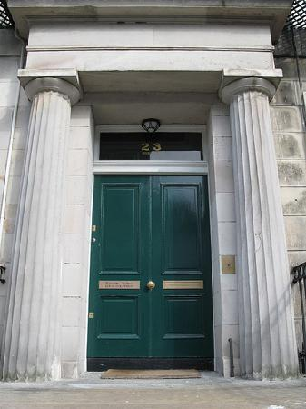 Windsor House: Entrance