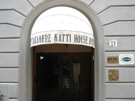 Katti House B&B: Front