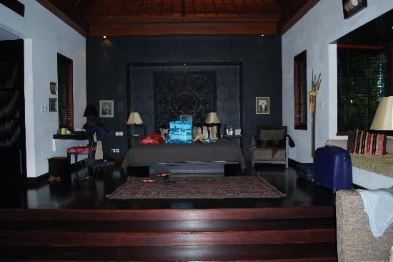 The Damai: master villa bedroom