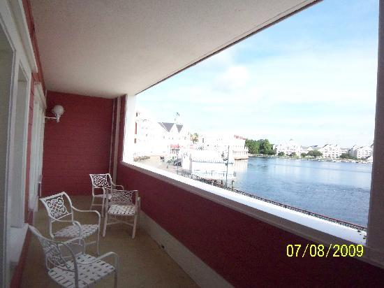 Enclosed balcony unit 2047 picture of disneys boardwalk villas disneys boardwalk villas enclosed balcony unit 2047 sciox Image collections