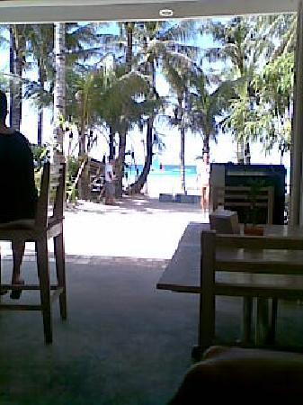 Mito's Place Boracay: The view from Ti Braz Cafe (where we had compimentary breakfast)