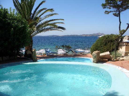 Grand Hotel Smeraldo Beach: One of the pools