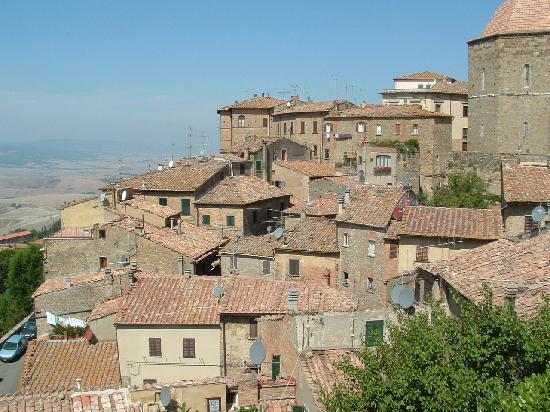 Hotel Villa Nencini: Scene in Volterra