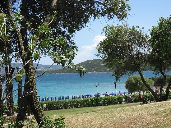 Residence Hotel Porto Mannu: il giardino vicino alla spiaggia